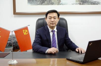 谢建林:党委书记